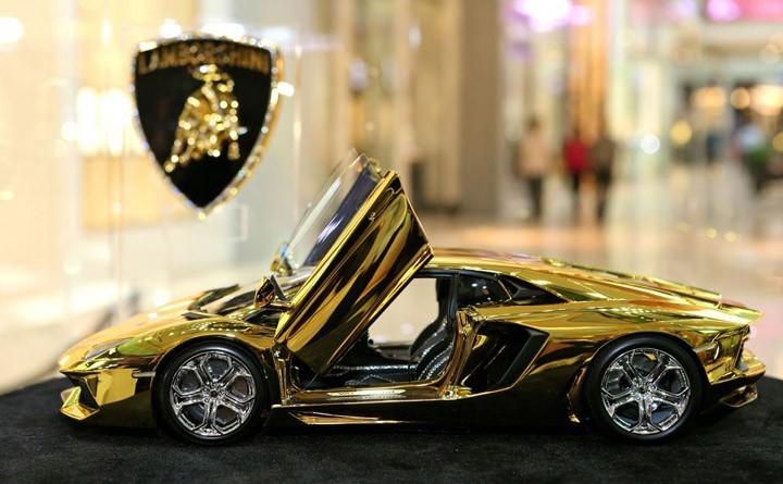 Gold Lamborghini Aventador model costs more than 17 real cars