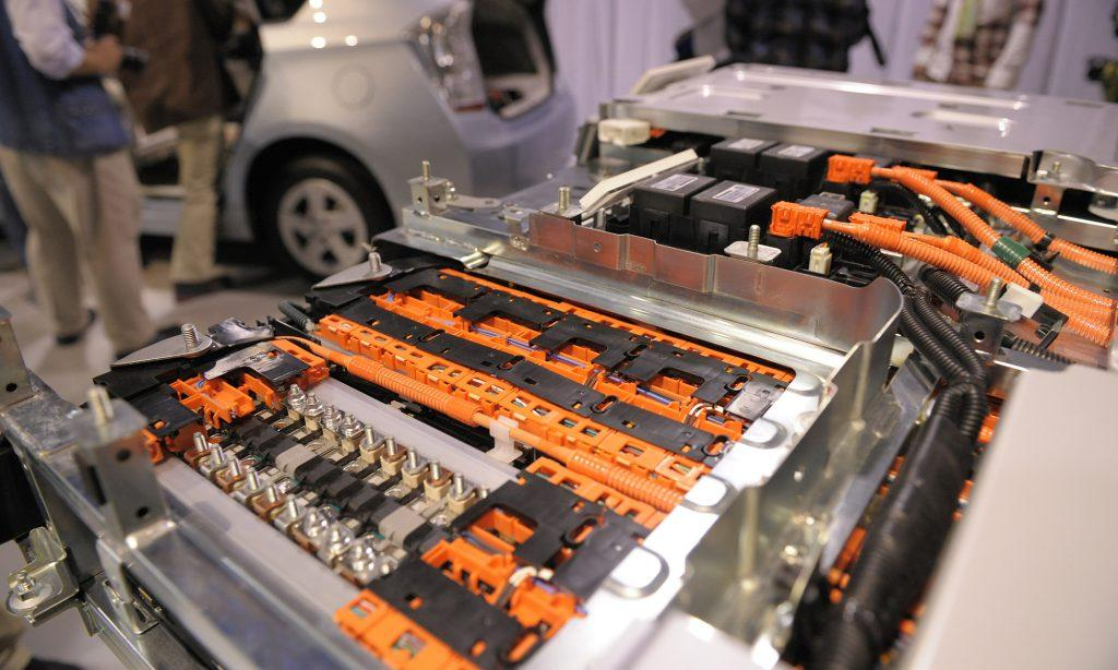 The cost of replacing battery for modern hybrid cost is not too high