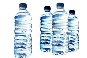 Water is one of 10 essential things to keep in car