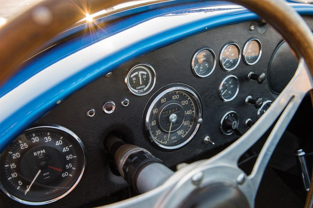The Shelby Cobra CSX2000 dash