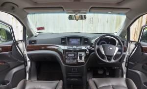 2015-Nissan-Elgrand-interior