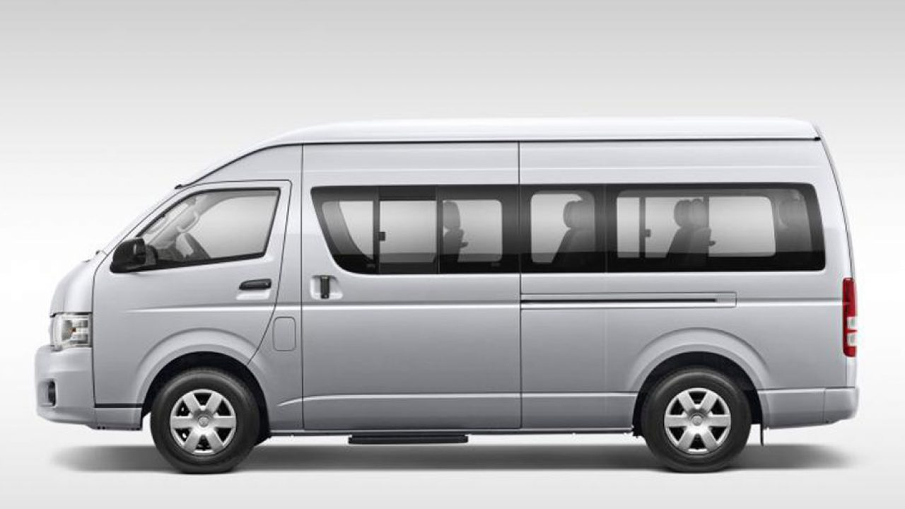 Toyota Hiace manual van – The Simple Experience Van | CAR