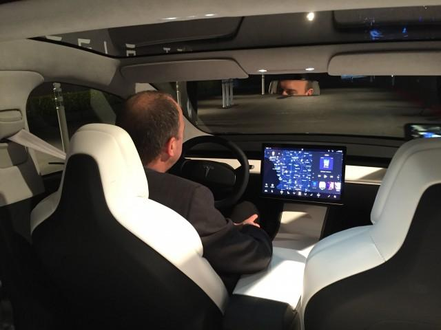 Tesla Gen 3 has really big touch screen to show all information for drive.