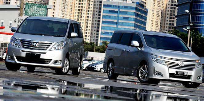 Nissan Elgrand vs Toyota Alphard