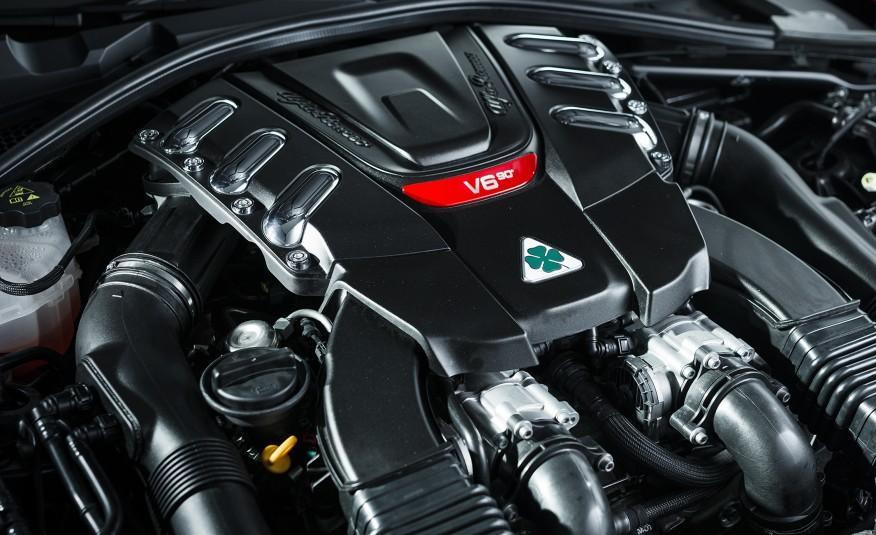 2017 Alfa Romeo Giulia Engine