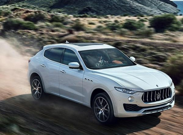 2017 maserati levante the maserati of suvs car from japan. Black Bedroom Furniture Sets. Home Design Ideas