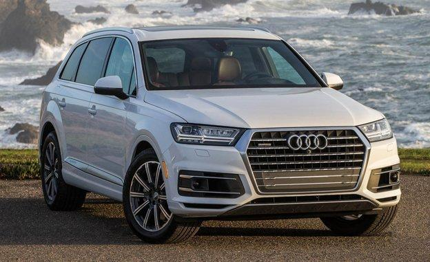 audi q7 2017 the masterpiece that leads the suv market. Black Bedroom Furniture Sets. Home Design Ideas