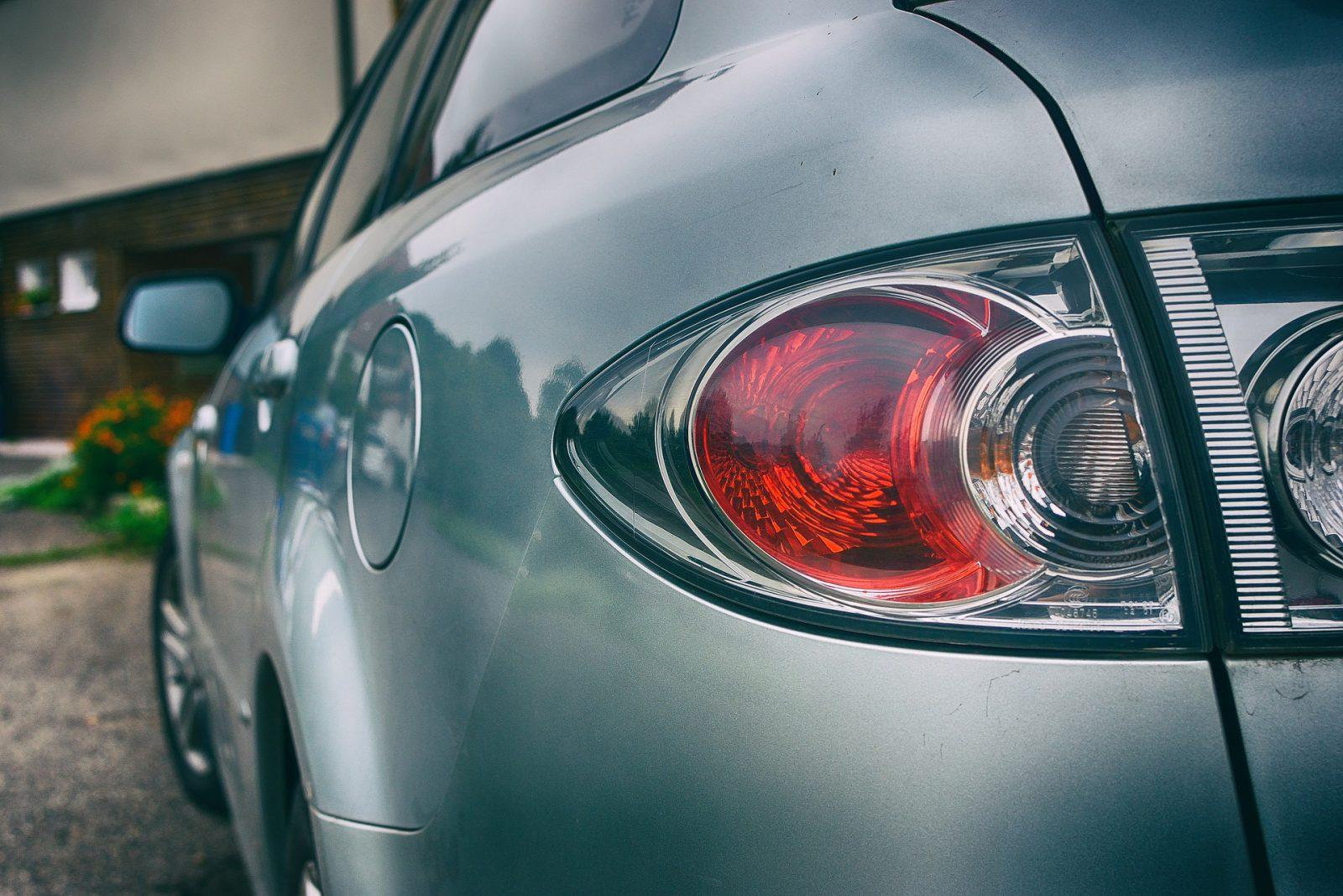Mazda Demio vs Toyota Vitz
