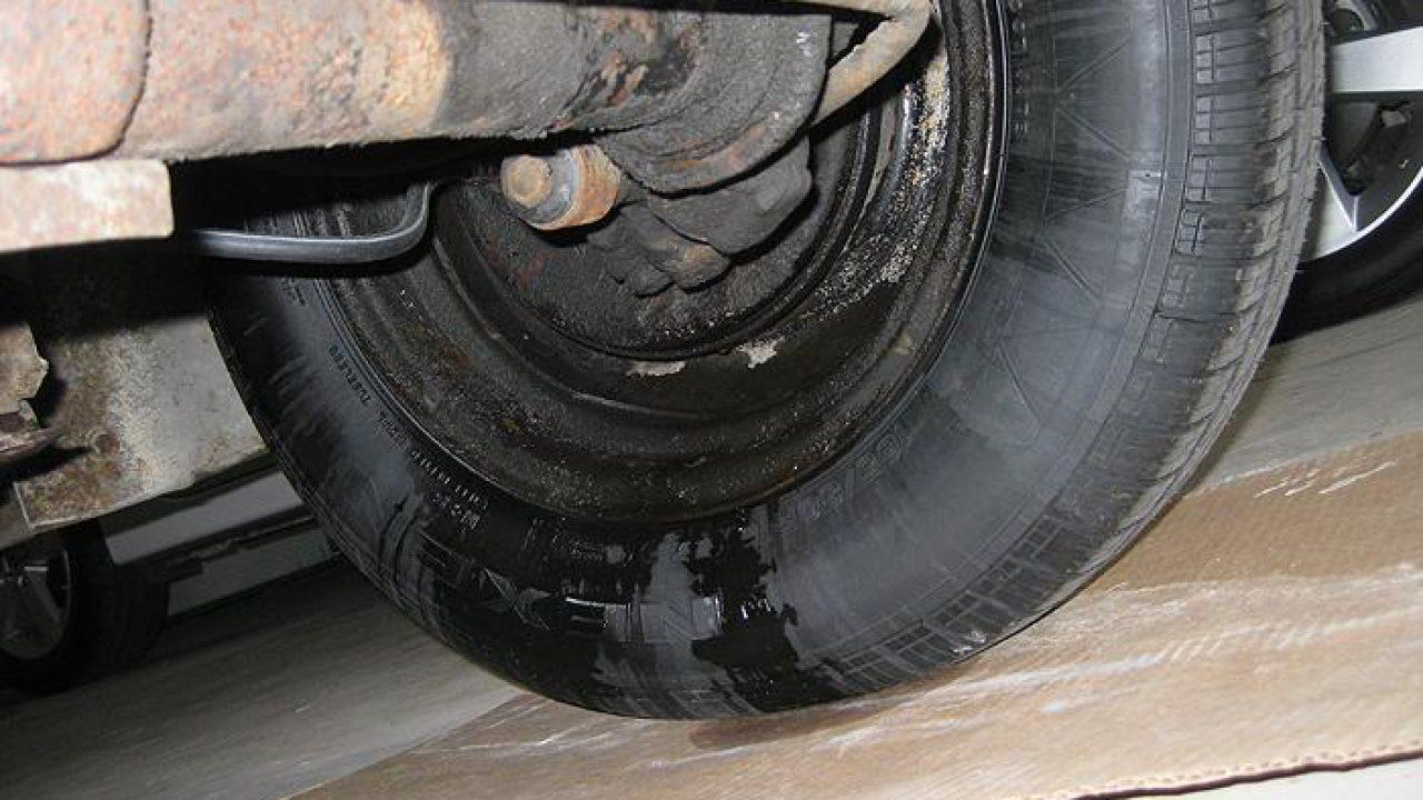 Fixing A Brake Fluid Leak In Easy Steps | CAR FROM JAPAN