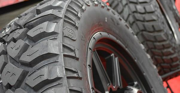 heavy duty truck tire with inner tubes