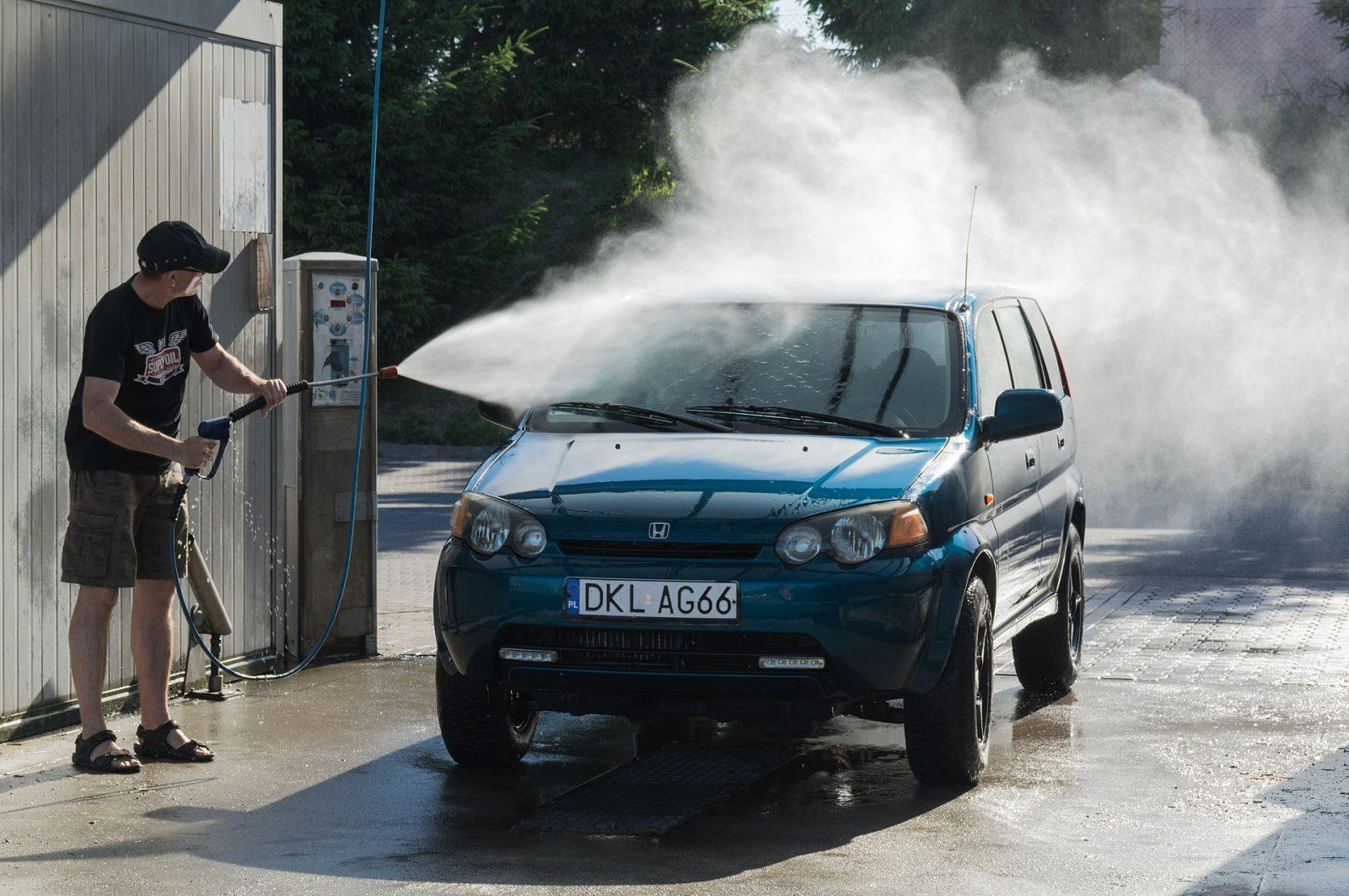 5 Ways Car Wash Service Will DESTROY Your Car!