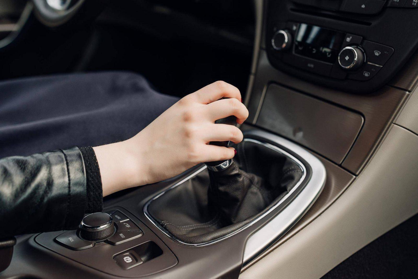 7 Things To AVOID While Driving An Automatic Transmission Car