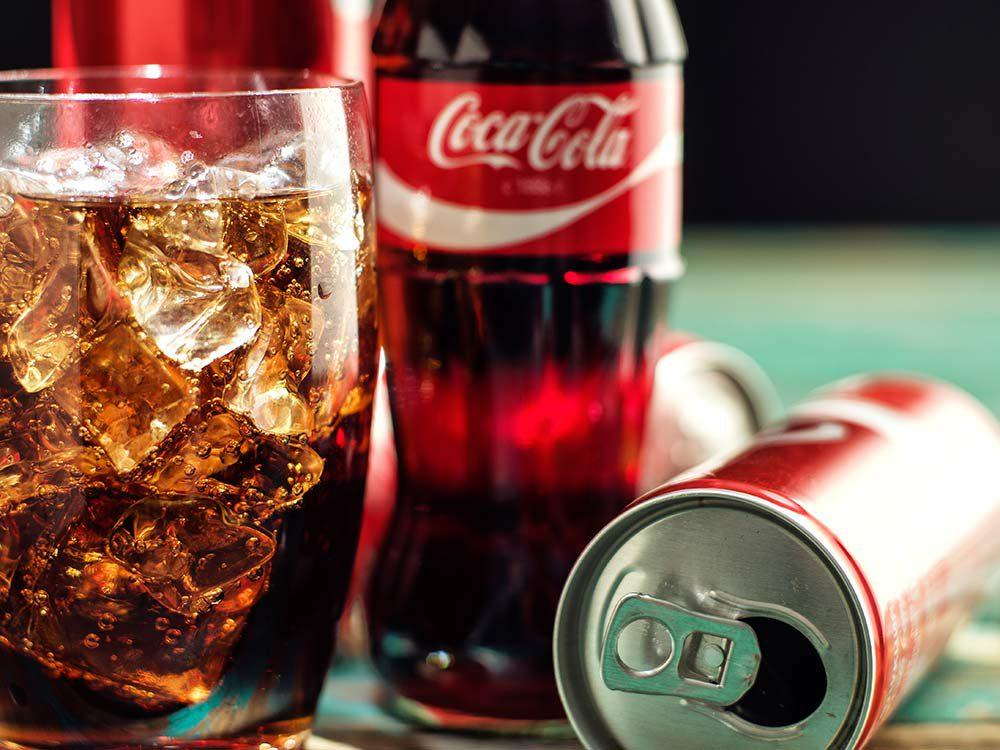 Get rid of dirt by soft drink