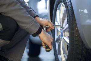 tighten tire