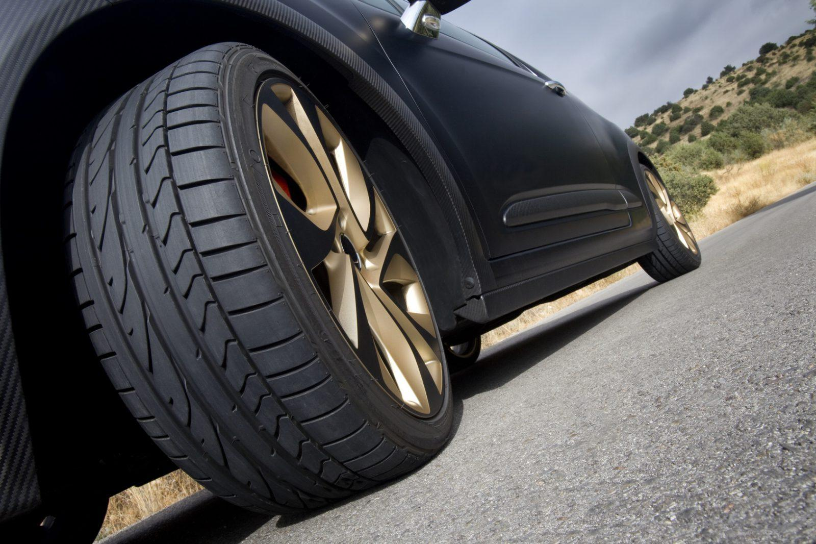 Amazing Guide For Driving On A Flat Tire In Short Distance