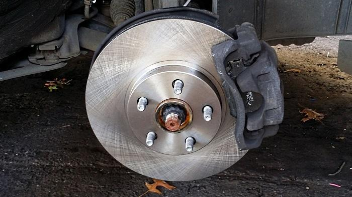 4 reasons your car is making grinding noise when braking ... car wheel rotor diagram