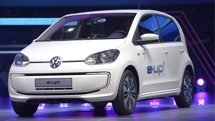 Benefits And Downsides Of Electric Cars