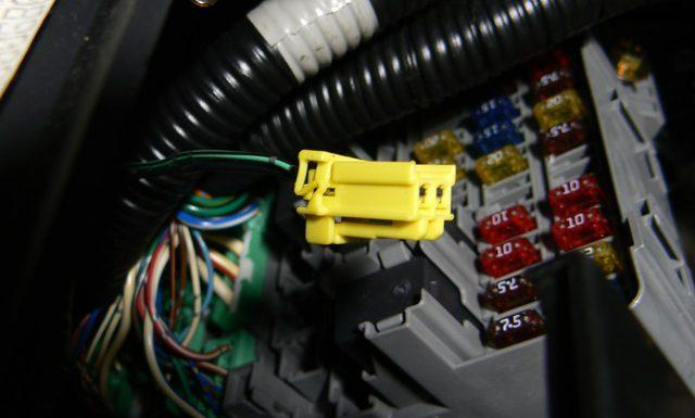 Why Is My Airbag Light On? Here are the Top Reasons! - CAR ...