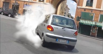 How Burning Clutch Smell affects you