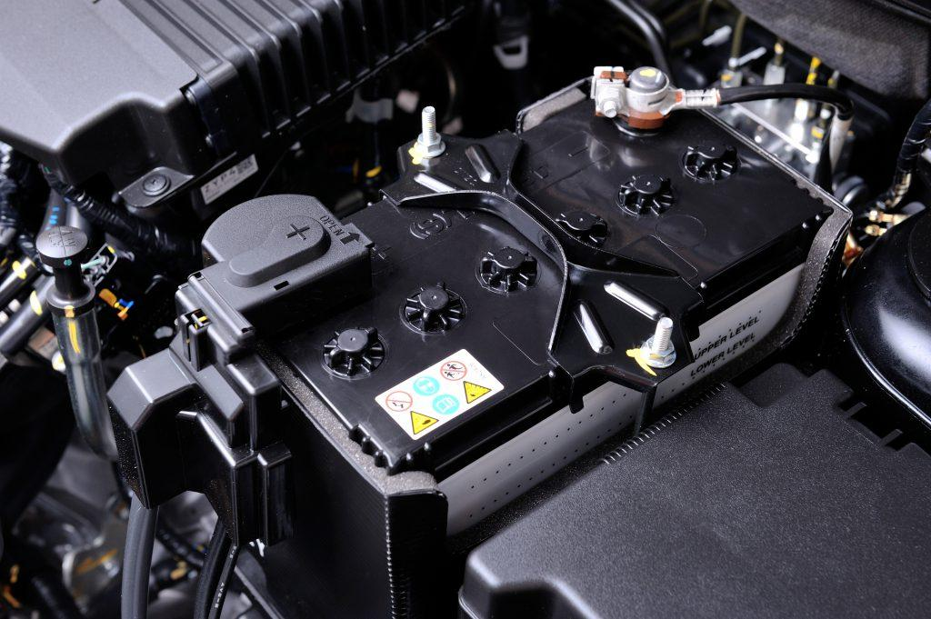 Symptoms Of A Dead Battery In Your Car
