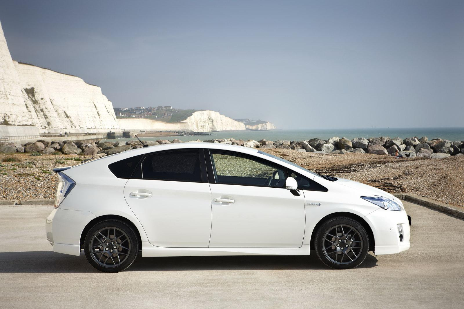 Exceptional Toyota Prius 2011 Review Explained