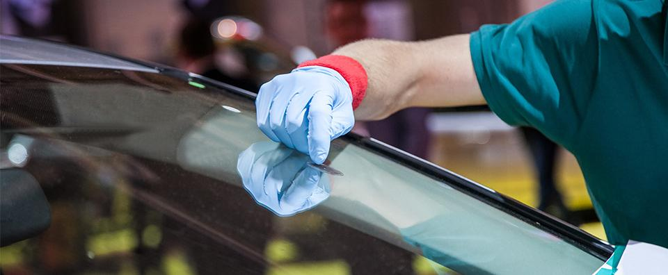 how to remove scratches from windshield a how to guide car from japan. Black Bedroom Furniture Sets. Home Design Ideas