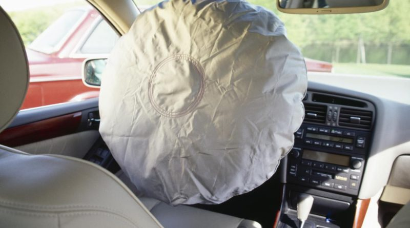 Remove a Steering Wheel Airbag carefully