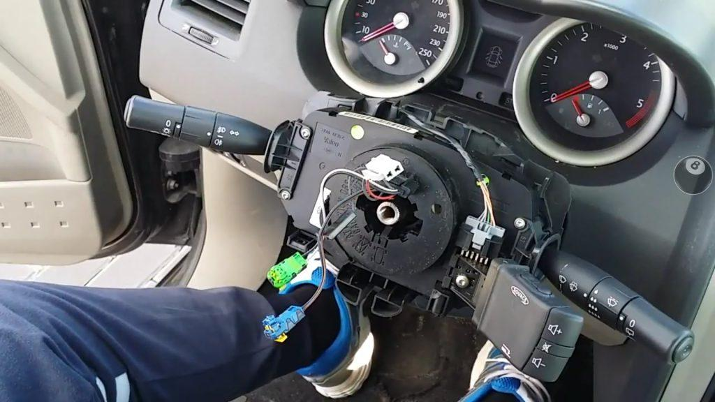 Useful ways to Remove a Steering Wheel Airbag