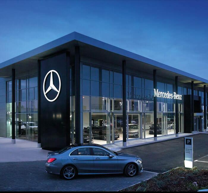 Mercedes benz dealer car from japan for Mercedes benz dealers in michigan