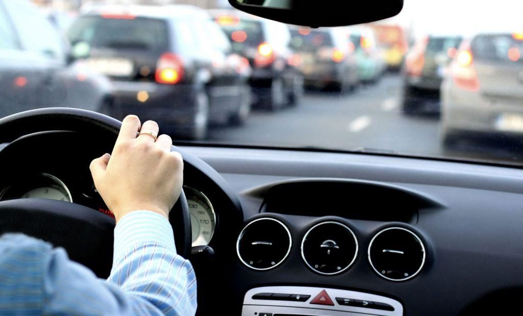 Different reasons for manual drivers better than automatic drivers