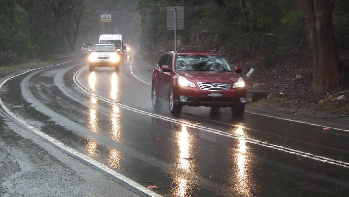 Truck Headlights In Rain : Completely wrong ways to drive in the rain car from japan