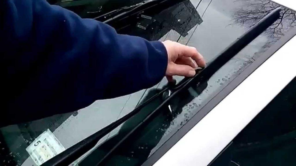 Windshield Wipers Not Returning Rest Position Here Is How To Fix It