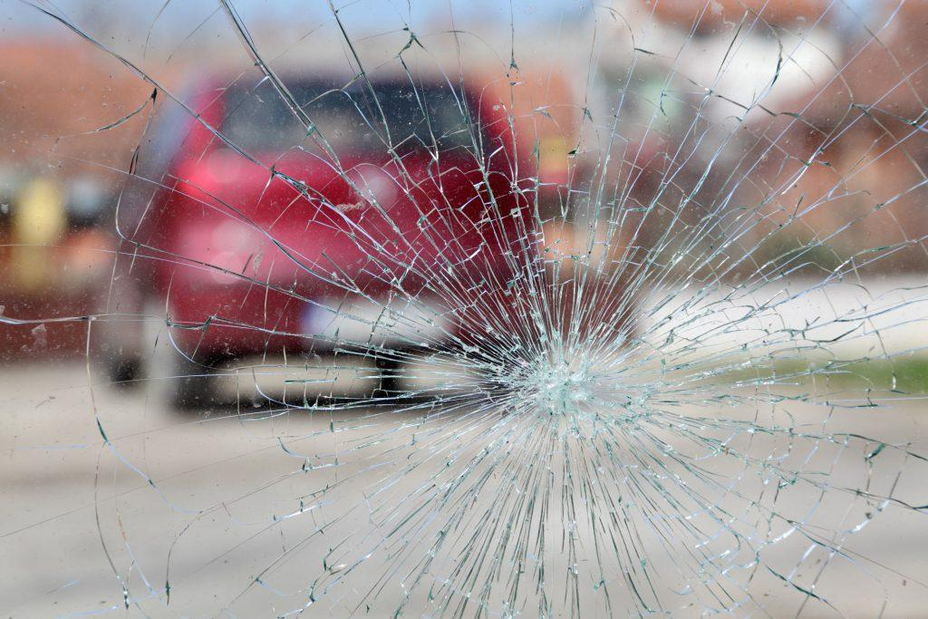 Ask trained expert how long to replace windshield