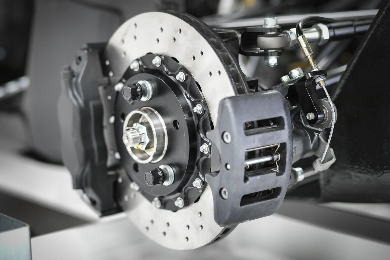 Caliper Piston WON'T Compress: Common Causes & Solutions