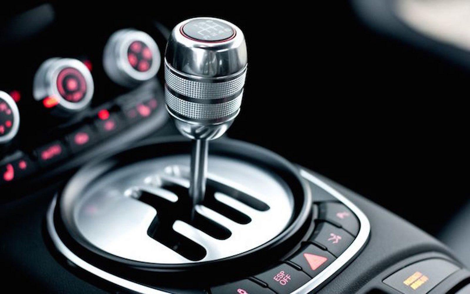 manual transmission won't go into gear when running