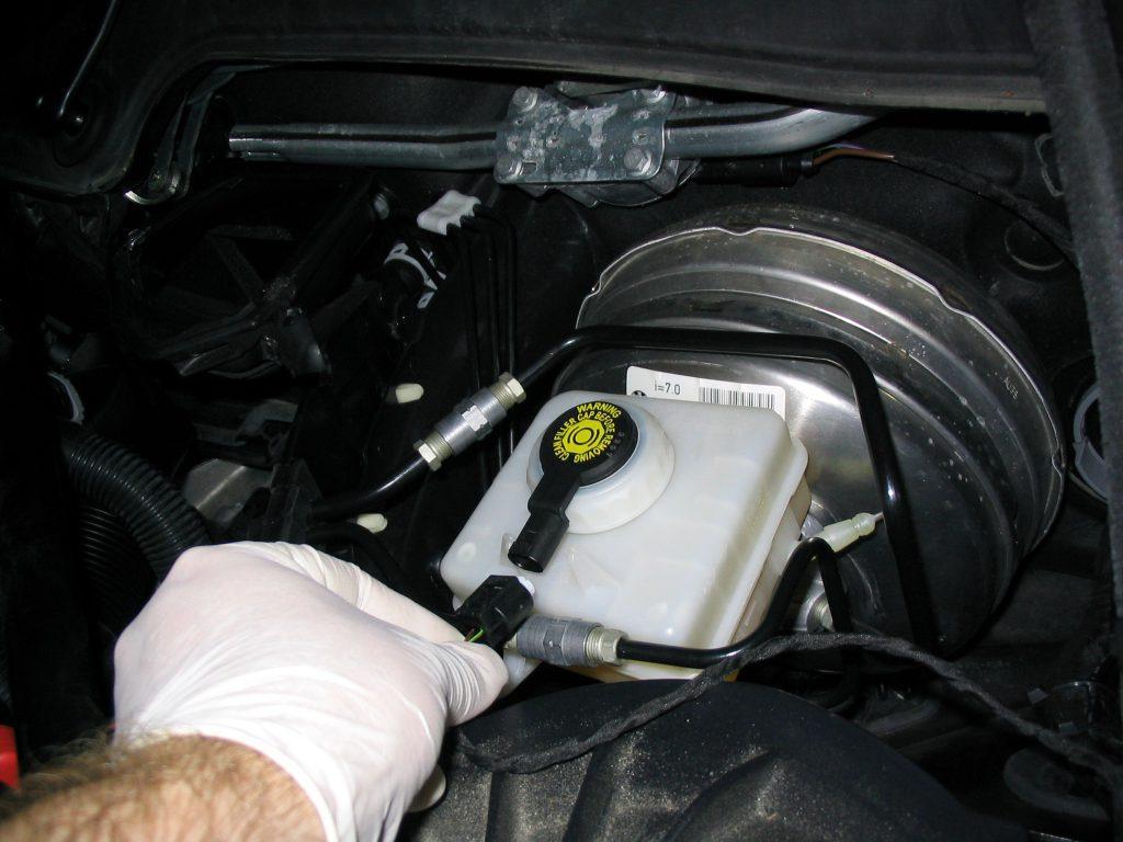 Useful tips on how often should you change brake fluid