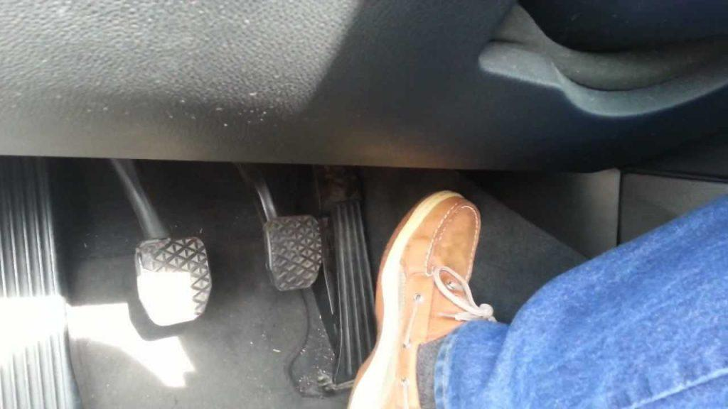 Common misconceptions about gas pedal sticks while driving