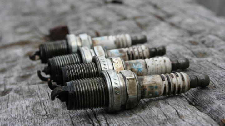 The Definitive Guide on How to Check Spark Plugs - CAR FROM JAPAN on bad spark plugs harley-davidson, bad spark plugs dry look, bad platinum spark plugs, bad carrier bearing, bad electrical wires, bad battery wires, car spark plugs and wires, bad cylinder head, bad spark points, bad spark plugs look like, coil wires,