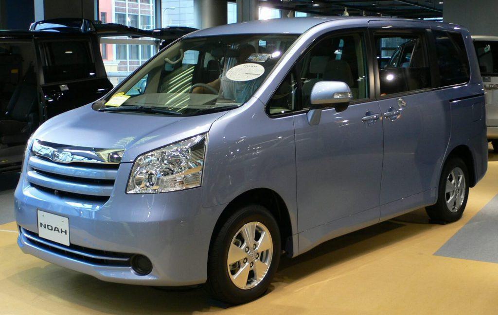 Toyota Noah vs Voxy explained