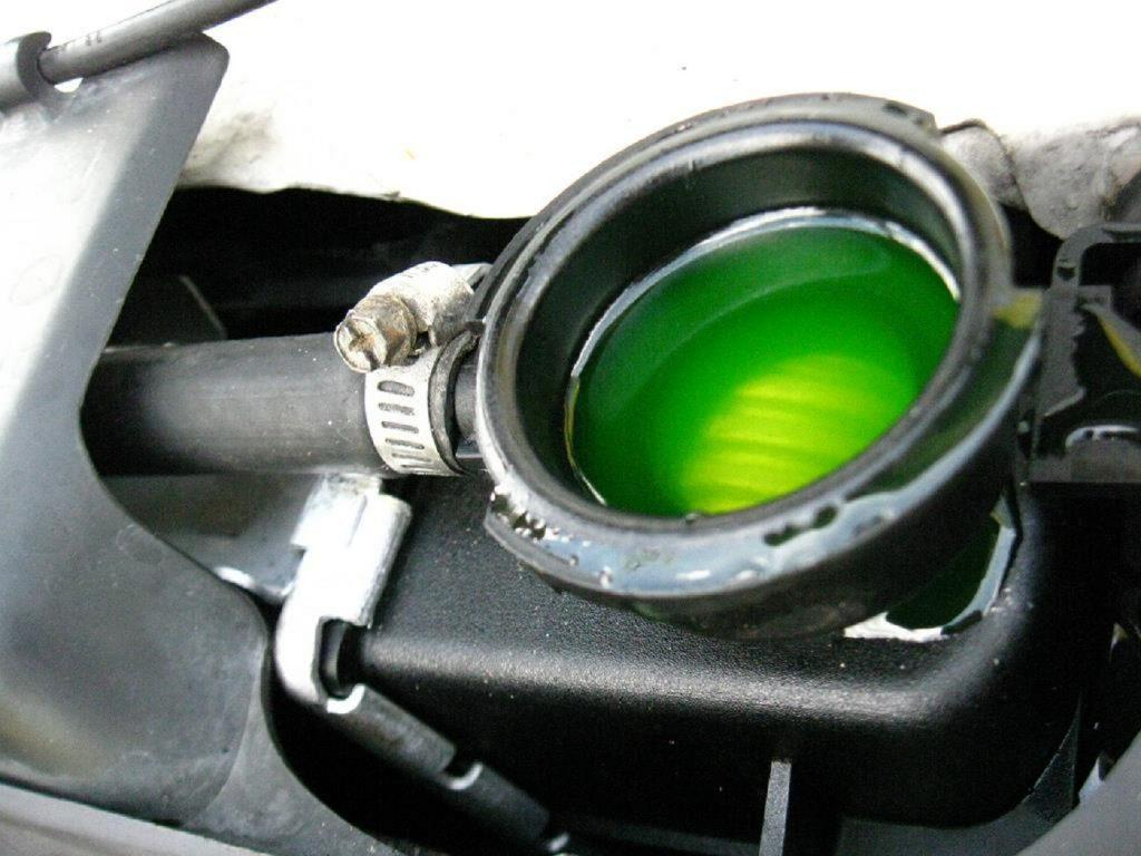 Whether can you put water in coolant tank or not