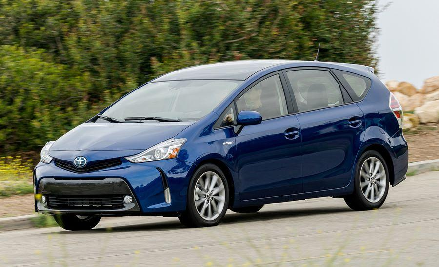 difference between prius models