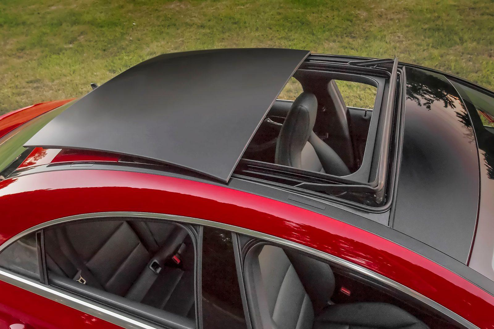 Clarify Doubt About Moonroof Vs Sunroof