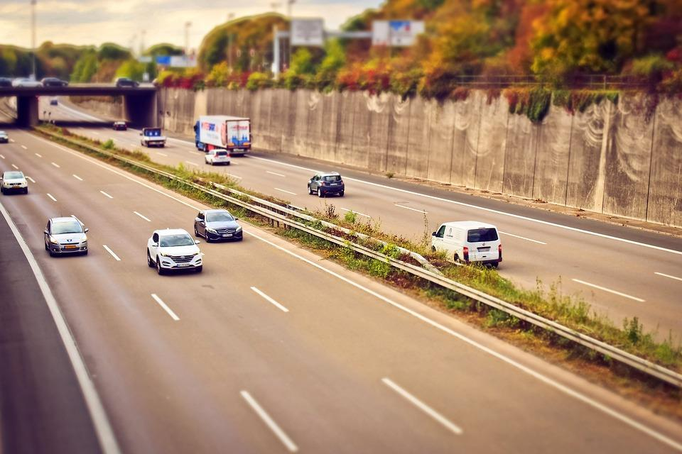 Guide about changing lanes
