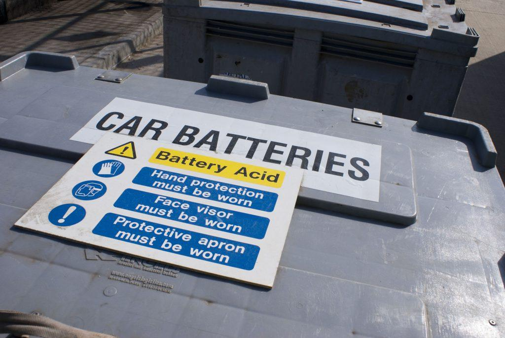 Truth about what kind of acid is in a battery