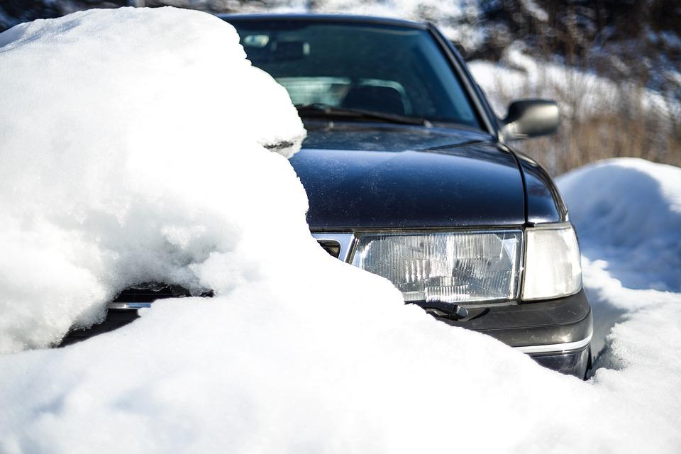 Ways to overcome leaving car outside in cold weather
