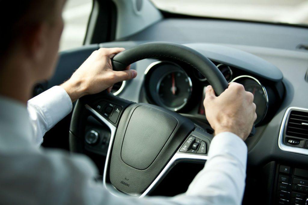 Carsteering wheel usage in the car
