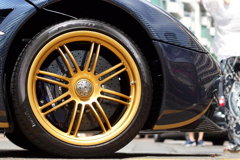 car's wheels