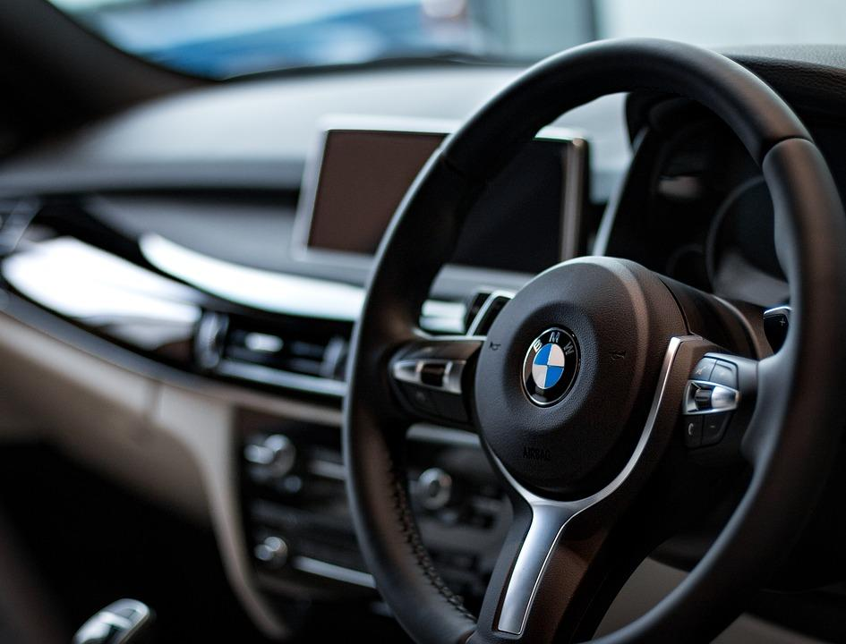 Electric vs Hydraulic Steering Assist - A Detailed Comparison - CAR