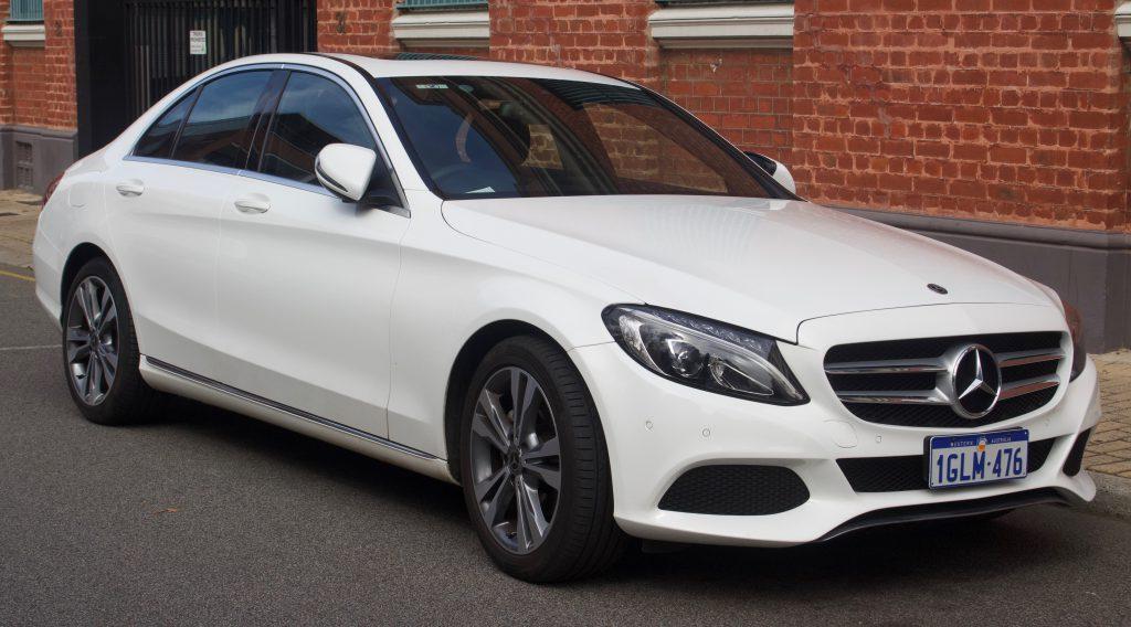 Reason behind A popular Mercedes Benz Logo