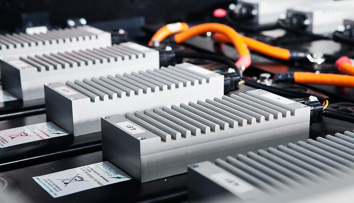 Lithium Ion Car Battery >> Why Petrol And Diesel Cars Don T Use Lithium Ion Batteries